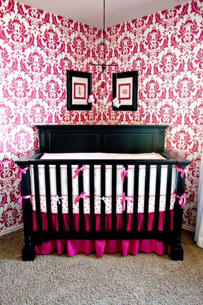 hot pink and black bedroom ~ cryp