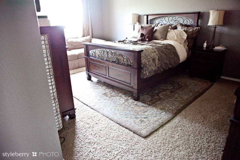 How to place a rug under a bed design tip styleberry blog for Rug placement under bed